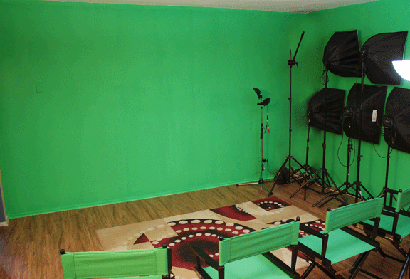 Reel Filming Studio w chairs